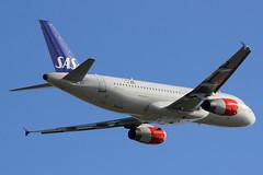 OY-KAS | Airbus A320-232 | SAS Scandinavian Airlines (cv880m) Tags: helsinki vantaa hel finland oykas airbus a320 320200 320232 sas scandinavia scandinavianairlines denmark