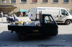_DSC5069.jpg (fdc!) Tags: europe transport travail italie artisan metiers vehicule artisanat mtier metier mtiers camionette occident florencefirenze geographique moyendetransport factueldescriptif travailmtiers fdc2015