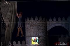 Cirque Rouages (PeRRo_RoJo) Tags: portrait espaa woman girl rock stone wall night lights luces noche mujer chica circo circus retrato sony acrobat es alpha muralla slt piedra vila castillaylen acrobacia funambulista funambulist acrbata a77ii ilca77m2 sonya77ii 77ii