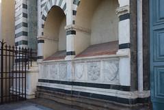 Tombs, Santa Maria Novella façade