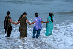 52 (Arvind Balaraman) Tags: tamil scripture vazhkaithunainalam thiruvalluvar thirukkural kural52