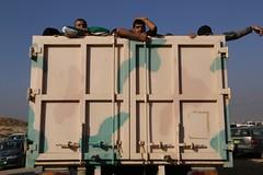 عمليات الاغاثة وتقديم المساعدات الى العوائل النازحة من مختلف قرى ومناطق محافظة نينوى (14) (جمعية الهلال الاحمر العراق) Tags: نينوى موصل مساعدات مساعداتانسانية