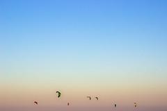 sky colors (Larissa Cadorin) Tags: colours kitesurf sunset sunsetbeach vacation paesaggio paisaje sky paisagem gradient skygradient por do sol entardecer dusk colorful air t3i brasil em imagens