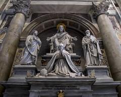 Gold Halo (noname_clark) Tags: italy rome vacation honeymoon vatican basilica jesus sculpture