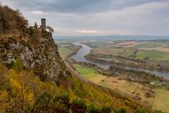 Kinnoull Tower (Kyoshi Masamune) Tags: scotland kyoshimasamune perthkinross perthshire perthandkinross perth sigma1750mmf28 cokinfilters cokinnd8 nd8 rivertay kinnoulltower sunrise kinnoullhill autumn autumncolours landscape folly uk