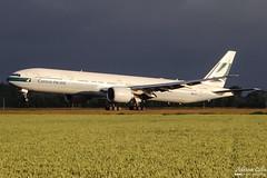 Cathay Pacific Airways --- Boeing 777-300ER --- B-KPZ (Drinu C) Tags: adrianciliaphotography sony dsc hx100v ams eham plane aircraft aviation 777 cathaypacificairways boeing 777300er bkpz