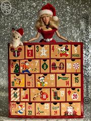 The countdown to Christmas is now officially underway ... (HollysDollys) Tags: disney disneydoll disneydolls disneystore doll dolls dolly dollys dollie dollies hollysdollys wwwhollysdollyscouk fashiondoll fashiondolls barbie playscale playdoll princess blog story fairytale toy toys toystory toystories dollstory dollstories cinderella ella elladisneydoll ellatheworldaccordingtoadisneydoll christmas 2016 advent countdown december 12inch