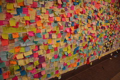 IMG_2245 (neatnessdotcom) Tags: union square subway station postit notes wall tamron 18270mm f3563 di ii vc pzd canon eos rebel t2i 550d