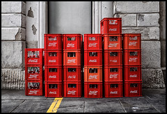 have a coke (Lukas_R.) Tags: leica q 28mm f17 street red coke coca cola empty bottle bottlesbox