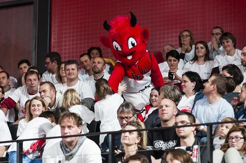 Supporters et Jiki - ©JacquesCormarèche
