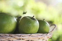 Bokeh Wednesdays (Inka56) Tags: hbw apples green bokeh fruit grannysmith
