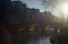 Gold Light District (Arne Kuilman) Tags: amsterdam kodak kodakgold expiredfilm nederland netherlands scan film yashica yashicaaf230 yashica230 street straat af redlightdistrict sun tegenlicht flare 50mm
