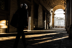 In an afternoon of December to Florence (zizzyphotobox) Tags: streetphotography tramonto firenze florence ombra ombre shadows street urban people city uffizzi sunset donna woman column columns nikond610