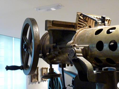 Paris - Musee de l'Armee, mitrailleuse firing mechanism