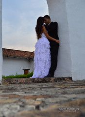 Jhon + Natalia (juandavid.enriquez) Tags: cali stone teatro couple colombia photoshoot pareja teather piedra