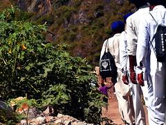 Sikh pilgrims (__sandip__) Tags: nikon himalaya hemkund valleyofflowers govindghat brahmakamal uttarakhand ghangaria chamoli d7000 nikond7000 tiprakharak