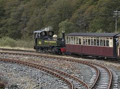 No 190 on the loop (Octopus P Scott) Tags: wales train railway steam highland welsh gauge narrow ffestiniog porthmadog