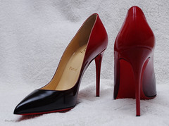Christian Louboutin Red (eLaReF) Tags: red donna shoes christian heels stilleto louboutin
