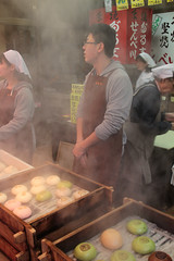 Pastry Store (Toni Kaarttinen) Tags: japan  japonia    jap japonsko jaapan  japani japon xapn    japn jepang an tseapin giappone  japna japonija  japo  japonska japn hapon  japonya nht bn japanese kawasaki spring pastry pastries bun steam man baker