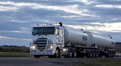 Lowes (quarterdeck888) Tags: trucks transport semi class8 overtheroad lorry heavyhaulage cartage haulage bigrig jerilderietrucks jerilderietruckphotos nikon d7100 frosty flickr quarterdeck quarterdeckphotos roadtransport highwaytrucks australiantransport australiantrucks aussietrucks heavyvehicle express expressfreight logistics freightmanagement outbacktrucks truckies lowes k200 flatroof kenworth tanker fueltanker bdouble