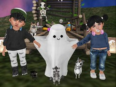 :o Ghosty! (Zaidon Resident) Tags: besom flite foxes foreign fawnkisses junkfood gimmick jian babyburp blackbantam pinkacid littlellama bowillow rc schadenfreude photography toddleedoo secondlife virtural reality photographer photo photooftheday photograpy pictures people pc pose poses halloween spooky ghost kitty doggy unicorn skeleton dead vibes bats headphones beats fashion theepiphany rare new free candyfair kustom9