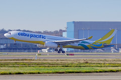 First Cebu Pacific Airbus A330 with new colours. (Curufinwe - David B.) Tags: airbus a330 cebu cebupacific philippines airline toulouse tls france hautegaronne midipyrnes avion aviation plane sony a6000 sonya6000 sonyalpha6000 70200g 70200 sony70200g a330300 a333 a330343 airbusa330 a330343x takeoff takingoff delivery delivered runway piste dcollage dcoller 1712 msn1712 rpc3347