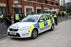 AU11CPE Ford Mondeo Dog Unit of Norfolk Police (Ian Press Photography) Tags: ipswich town football club portman road suffolk norwiich city fc 999 police emergency service services match old farm derby championship norfolk au11cpe ford mondeo dog unit dogs k9