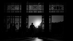 ...traveller II... (*ines_maria) Tags: schwarzweis sw monochrome mono bw blackandwhite architecture urbanart city urban streetphoto street child silhouette contrast light sun sunset people station budapest einfarbig