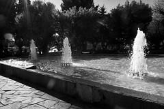 Plaza de Coyhaique / Coyhaique square (daniel.cross) Tags: ensayos agua