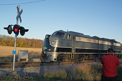 Indian summer evening (AndyWS formerly_WisconsinSkies) Tags: train railroad railway railfan wisconsinandsouthern wsor iowapacific slrg emd e9 e9a eunit locomotive