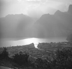 Lago di Garda (str.ainer) Tags: garda see lake torbole nago agfa isolette ilford fp4 multigradefbclassic moersch tanol