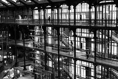 Question de perspective (Meculda) Tags: musée france paris monochrome architecture bâtiment ngc