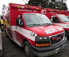 Redmond Fire 7523 (zargoman) Tags: ambulance aidcar emergency response ford truck northstar medic aid