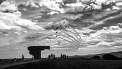 X Festival Areo Gijn (navarro.anibal) Tags: bw espaa asturias cielo nubes gijon elogio avion acrobacia cerrosantacatalina