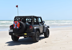 Jeb Stuart (Ashley3D) Tags: park 3 black beach island sand sticker skies jeep flag jerry rear north can stuart confederate national netting edition seashore padre antenna jk jeb willys dirtydog wrangler blus donttreadonme northpadreisland gadston
