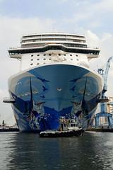 Uitdokken 'Norwegian Escape' Meyerwerft Papenburg (Explored) (l-vandervegt) Tags: cruise germany deutschland boot nikon marine ship duitsland schip papenburg meyerwerft d3200 floatout uitdokken norwegianescape