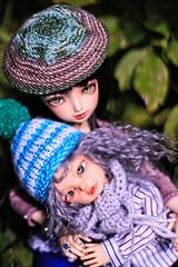 Mamachu (UMBRA-GULABA (Instagram: umbra_gulaba)) Tags: wool crochet mother son bjd hybrid abjd mohini msd yosd knitwork minifee dollzone kajetano dikadollblanca dollzoneemily familymfall