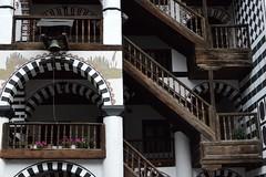 2015_Rila_4405 (emzepe) Tags: building yard court wooden nice bell courtyard structure inner treppe monastery rila staircase fa augusztus bulgarie udvar 2015 bulgarien harang nyr bels plet  folyos szp  lpcshz   bulgria kolostor fbl csolt faszerkezet rilai