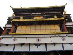 "Shigatse: Ta Shi Lhun Po Monastery <a style=""margin-left:10px; font-size:0.8em;"" href=""http://www.flickr.com/photos/127723101@N04/22106507800/"" target=""_blank"">@flickr</a>"