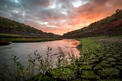 Guerlédan (ForgottenMelodies) Tags: guerlédan assec long exposure sunrise dawn river clouds sky lake ngc nicolasauvinet