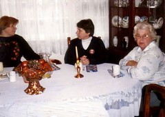 Linda Chesner, Judy Currie, & Trudy Berry - 1984 (nomad7674) Tags: family grandma history vintage mom berry grandmother room mommy mother aunt linda judith 1984 dining judy currie legacy gertrude trudy chesner