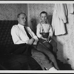 Archiv H462 Nahe am wärmenden Ofen, Eichstätt 1938 thumbnail