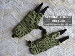 Dino Mitts Greg03 (zreekee) Tags: crochet sparkle doom designs sparkledoomdesigns saskatchewan mitts gloves handmade dinosaur toddler