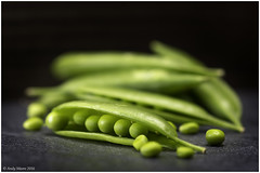 Maxro Mondays - In a Row - Peas - Option (andymoore732) Tags: macromondays macro mondays peas inarow green slate andymoore nikon d500 optionshot
