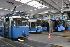2015-05-13, Mnchen, Betriebshof Einsteinstrasse (Fototak) Tags: tram strassenbahn mnchen mvg germany p r2 avenio 2005 2109 2803