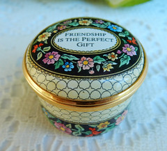Halcyon Days Enamels English England Trinket Pill Box ~ Friendship ~ Flowers (Donna's Collectables) Tags: halcyon days enamels english england trinket pill box friendship flowers thanksgiving christmas