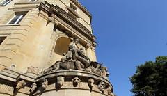 Crocodile Parisian Corner (Eye of Brice Retailleau) Tags: icon effigy figure statue beauty colourful colours composition scenery scenic urban street streetphotography sculpture extrieur europe france paris jardindesplantes bluesky corner