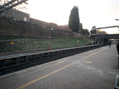2016_11_300005 (Gwydion M. Williams) Tags: coventry britain greatbritain uk england warwickshire westmidlands coventryrailwaystation railwaystation citycentre