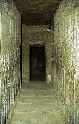 "Ägypten 1999 (508)  Tempel von Dendera • <a style=""font-size:0.8em;"" href=""http://www.flickr.com/photos/69570948@N04/30770376120/"" target=""_blank"">View on Flickr</a>"