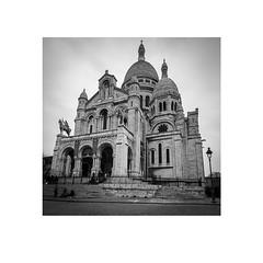 Basilique du Sacré-Coeur de Montmartre (iandolphin24) Tags: leicatrielmar16mm18mm21mmf4asph leicamonochromtyp246 blackandwhite trielmar leica bw paris